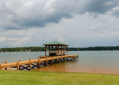 Gorgeous Lake Setting